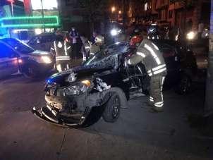 Şampiyonluk kutlamasına çıkan Beşiktaş taraftarları E-5'te kaza yaptı: 2 yaralı