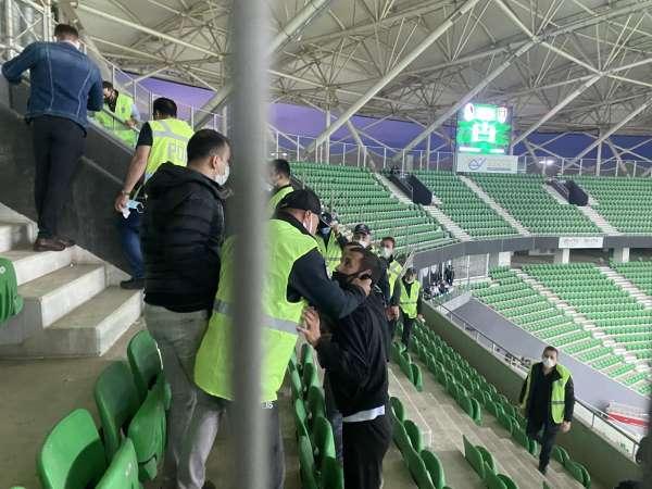 Seyircisiz maçta tribünde gerginlik