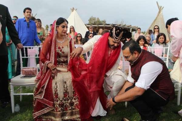 Yüksek bütçeli Hint düğünleri pandeminin bitmesini bekliyor