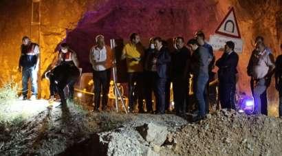 5 kişinin öldüğü kaza mahallinde Vali Arslantaş, incelemede bulundu