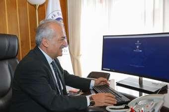 Atatürk Üniversitesi'nde örgün öğretimdeki online final sınavları başarılı bir ş