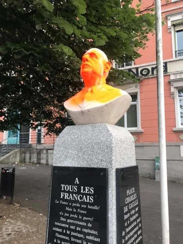 Fransa'da eski Cumhurbaşkanı de Gaulle'un büstüne saldırı