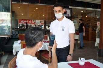 Mardin'deki restoranda siparişler QR kodla veriliyor