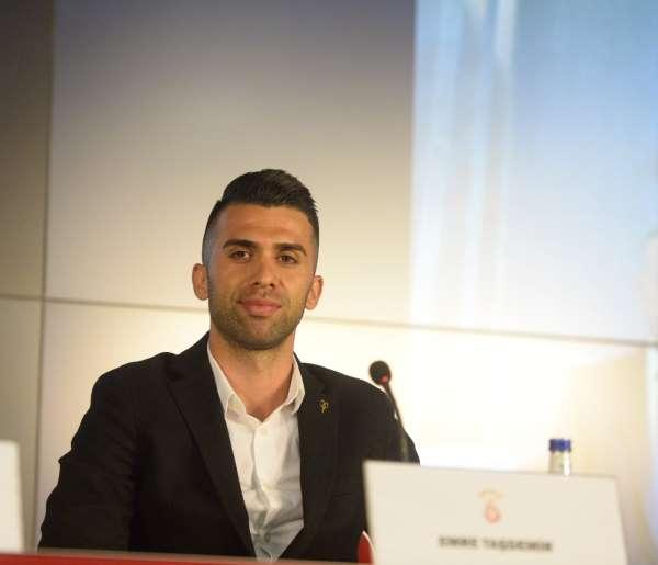 Emre Taşdemir: Yeni sözleşme imzaladığım için çok mutluyum