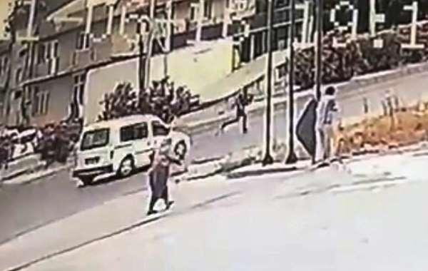 Otomobilin çarptığı yaya hayatını kaybetti: Kaza anı kamerada