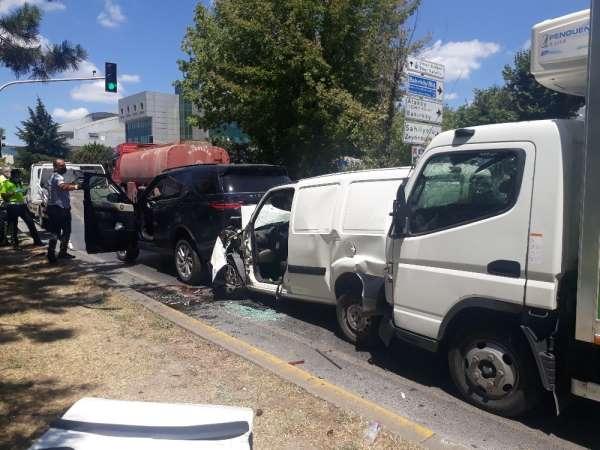 Bakırköyde zincirleme trafik kazası