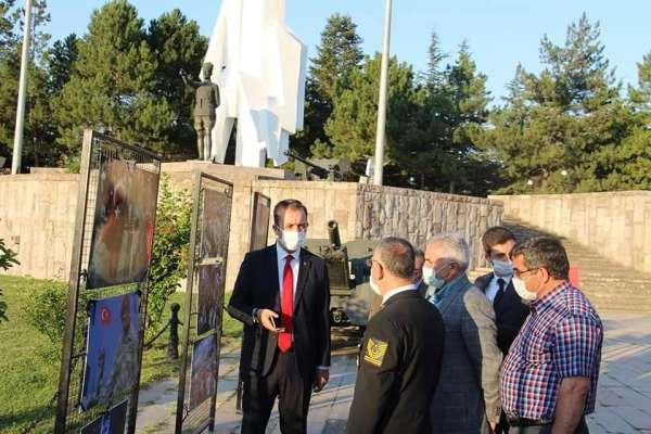 Dumlupınar'da İlk Hedef Anıtı'nda 15 temmuz şehitleri için resim sergisi açıldı