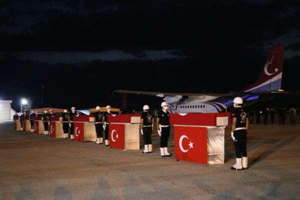 Düşen uçakta şehit olan polislere uğurlama töreni