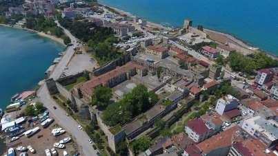 Sinop'ta tarihin önündeki 'müştemilat' kaldırılacak