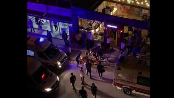 2 arkadaş bıçaklandılar, yaralı halde kafeye gidip yardım istediler: 1 ölü, 1 yaralı