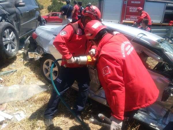 Balıkesirde trafik kazası biri ağır altı yaralı