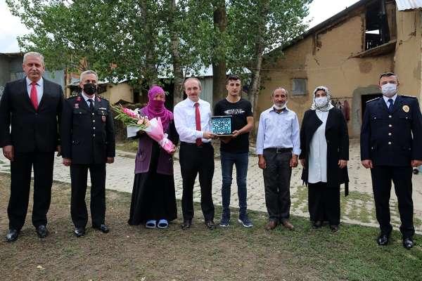 Vali Cüneyt Epcim, şehit ailesi ve 15 Temmuz gazisini ziyaret etti