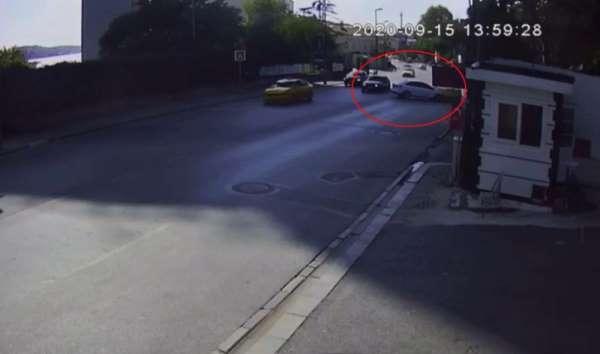 (Özel) İstanbul'da hatalı dönüş kazası kamerada: 3 yaralı