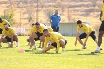 Yeni Malatyaspor'da 4 futbolcunun testi pozitif çıktı