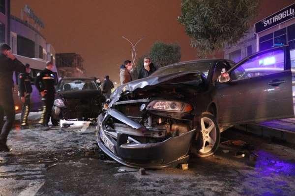 Kısıtlamaya dakikalar kala meydana gelen kaza vatandaşı sokağa döktü