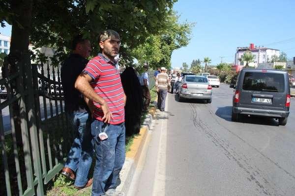Antalya'da yaya geçidinde 8 araçlı zincirleme kaza