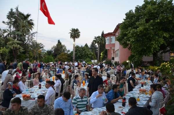 Vali Soytürk şehit ailelerine iftar verdi