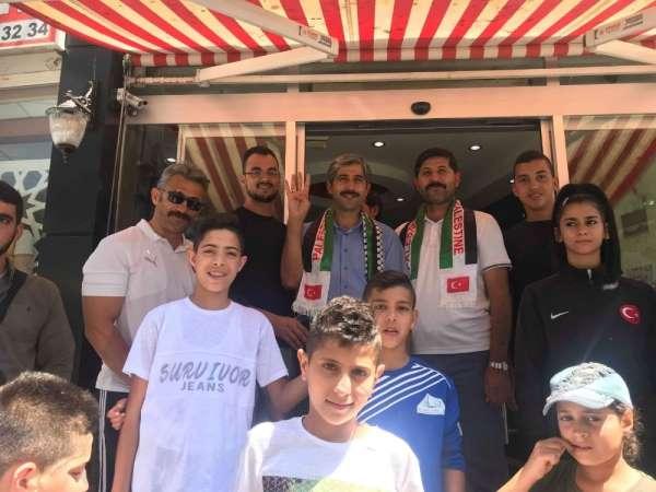 Develi Filistinli Sporcuları Bağrına Bastı