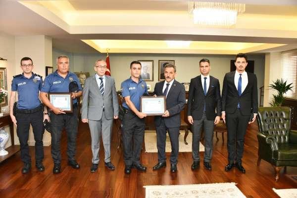 Samsun polisi cinayeti önledi Vali'den ödülü kaptı