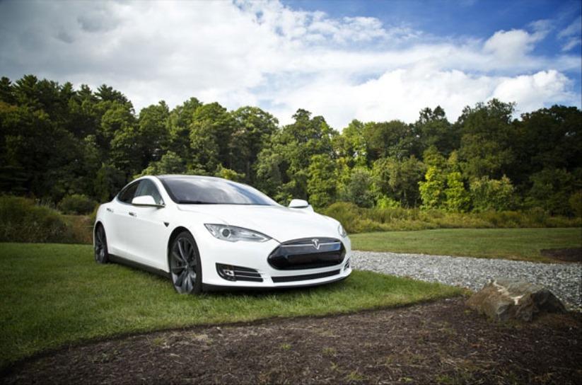 Doğa ve Teknolojinin Uyumu: Elektrikli Arabalar