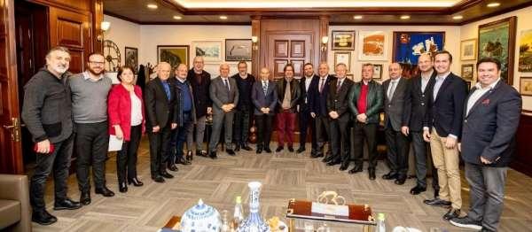 İzmir kulüplerine 18 milyonluk destek