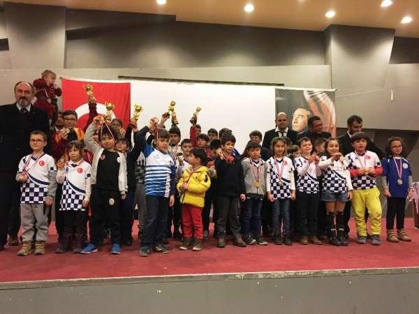Ayvalık'ta satranç turnuvası heyecanı