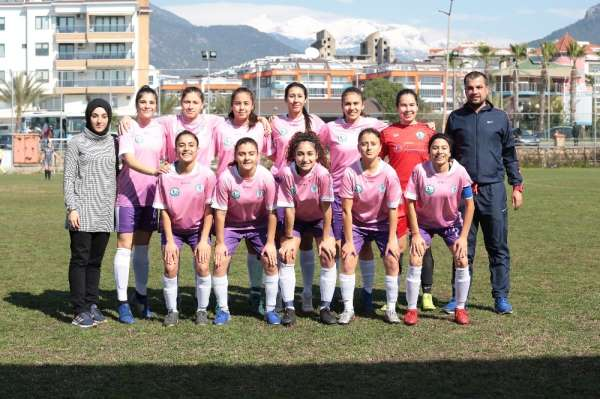 Horozkentspor, Alanya Demirspor'u 5-0 mağlup etti