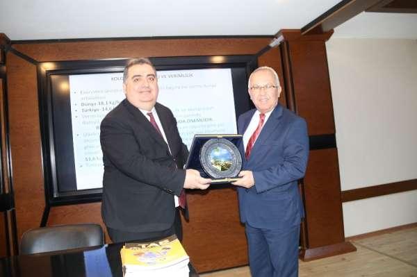 Türkiye Arı Yetiştiricileri Merkez Birliği Başkanı Şahin: 'Türkiye bir bal cenne