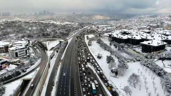 15 Temmuz Şehitler Köprüsü'nde trafik havadan görüntülendi