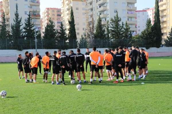 Adanaspor, ligde kalmayı garantilemek istiyor