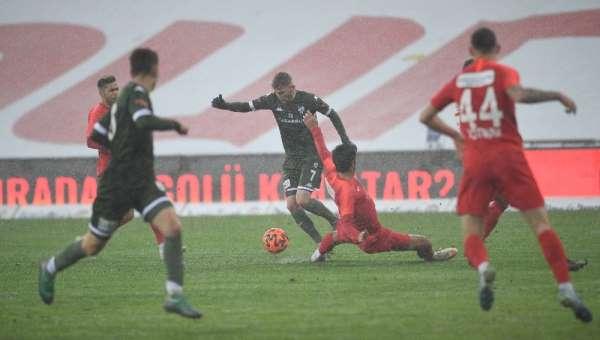 Bursaspor ilk kez üst üste 3 maç kazanamadı - Yeşil beyazlı takım iç sahada 14 puan kaybetti