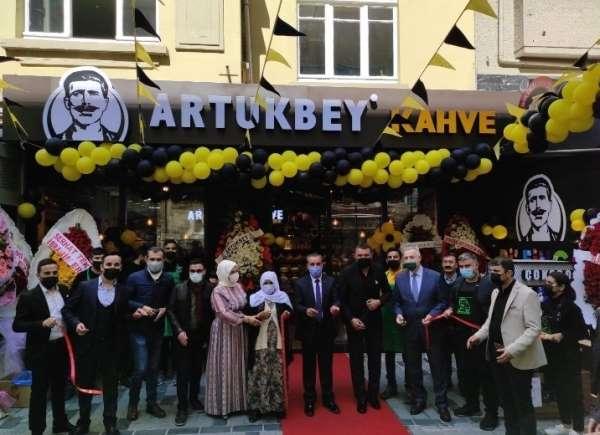 Artukbey kahvenin Beyoğlu şubesi açıldı