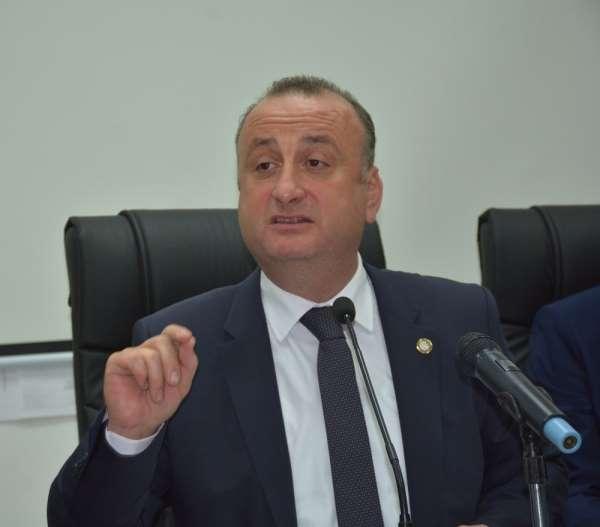 Başkan Ayhan: Belediyeyi itibarsızlaştırmak için çalışma arkadaşlarım hedef alındı
