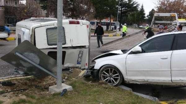 Kazada ağır yaralanan üniversite öğrencisi yaşam mücadelesini kaybetti