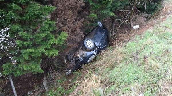 Pendikte korkutan kaza: Önce sürüklendi sonra şarampole yuvarlandı