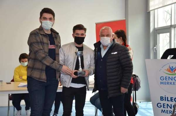 Türkiye Münazara Ligi İl Şampiyonluğu yarışmasında derece elde ettiler