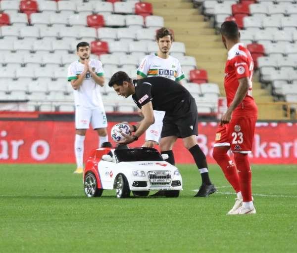 Ziraat Türkiye Kupası: FT Antalyaspor: 1 - Aytemiz Alanyaspor: 0 (İlk yarı)