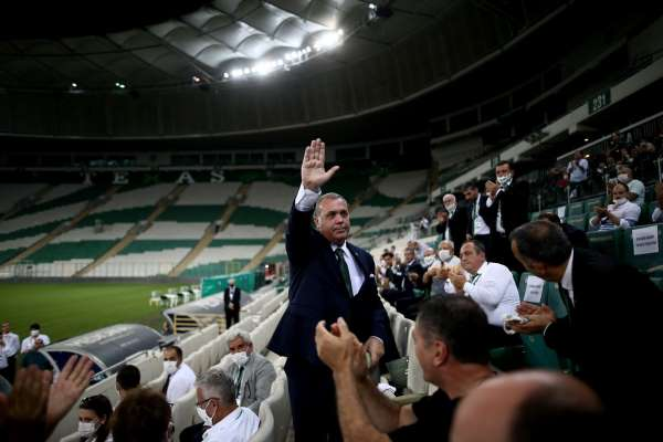Bursasporda kongre tarihi belirsizliği sürüyor