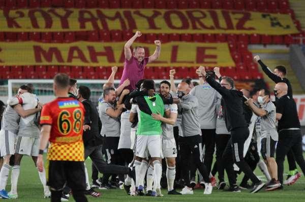 Şampiyon Beşiktaşın medyatik 11i belli oldu