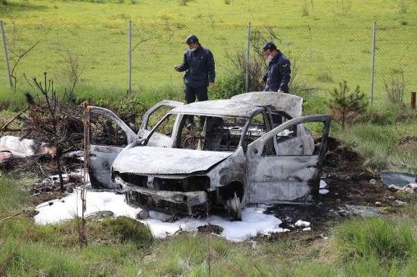 TEMde kaza yapan araç yanarak küle döndü: 2 yaralı