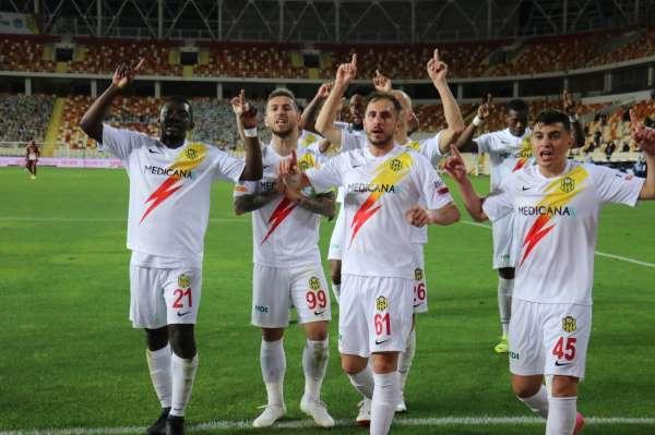 Yeni Malatyasporda 14 futbolcunun sözleşmesi bitiyor