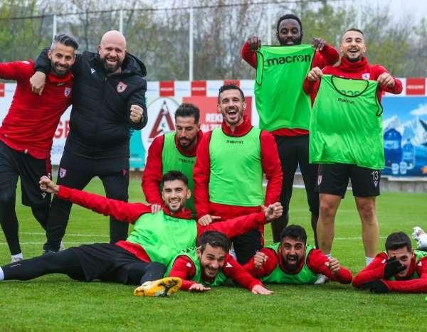 Samsunsporda sözleşmesi biten 15 oyuncudan 9uyla yollar ayrıldı