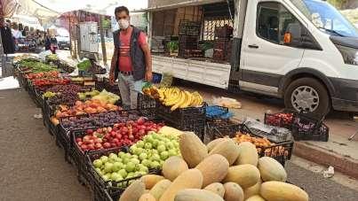 Korona virüsten dolayı 28 gün kurulmayan pazar yeniden açıldı