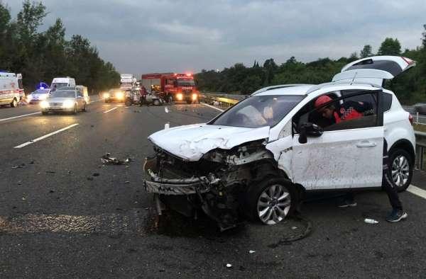 TEM Otoyolunda kaza: 2 ölü, 5 yaralı