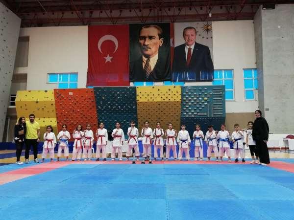 Karate Karadeniz Kupasında Kayseri rüzgarı