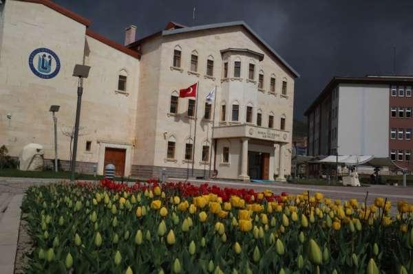 Bayburt Üniversitesi, YÖKAK Memnuniyet Anketinde birçok üniversiteyi geride bıra
