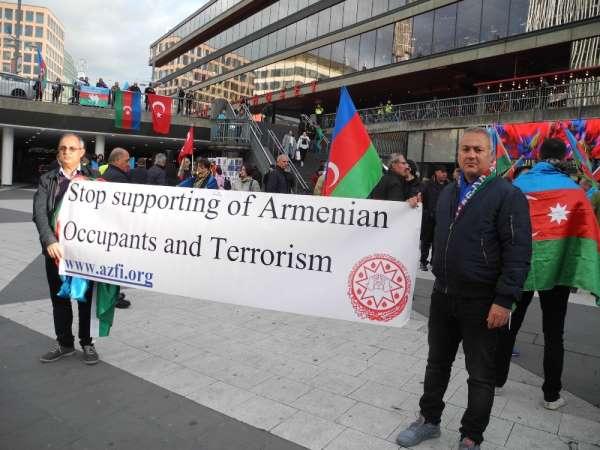 İsveç'te Ermenistan'ın Azerbaycan'a saldırıları protesto edildi