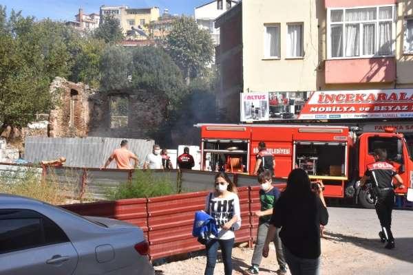 Sinop'ta metruk binada yangın