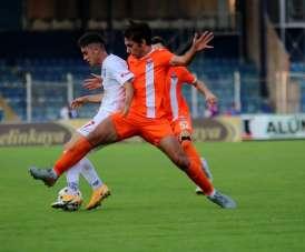 TFF 1. Lig: Adanaspor: 2 - Altınordu: 0 (İlk yarı sonucu)