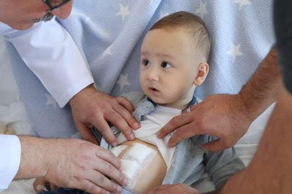 Tıpta nadir rastlanan durum: 1 yaşındaki bebeğin safra kesesinden 5 taş çıkarıld